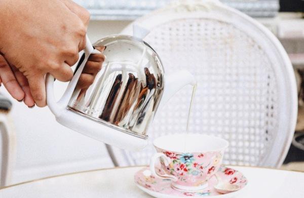 Cafe Poetes Tea Set